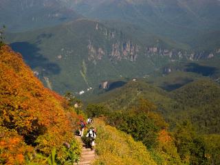 the upper section of the Kurodake hike in autumn